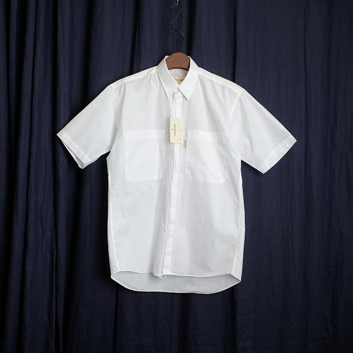 TRUSSARDI / made in japan  트루사디 투포켓 화이트 셔츠  새제품