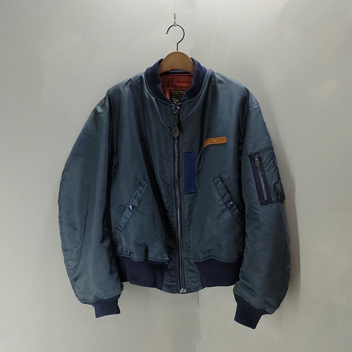 아비렉스 / Made in usa  Avirex ma-1 flight jacket