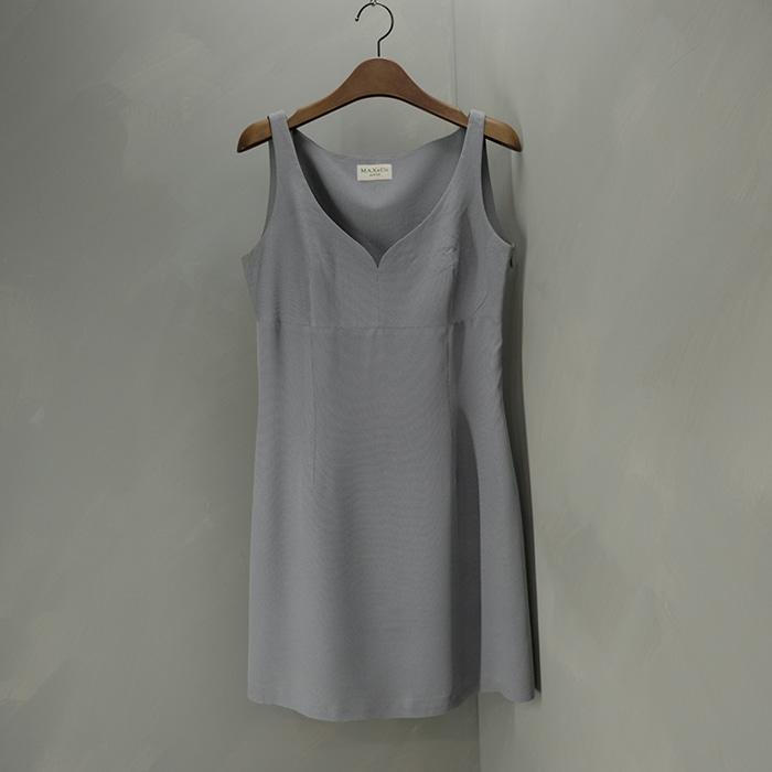 막스앤코 / Made in italy  Max&co sleeveless opc