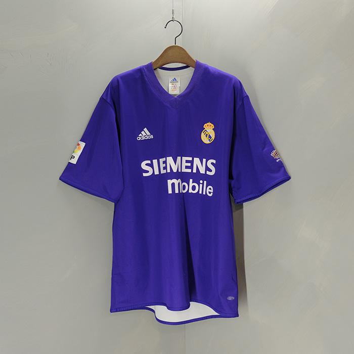 아디다스 / Made in portugal  Adidas real madrid 02/03 third jersey