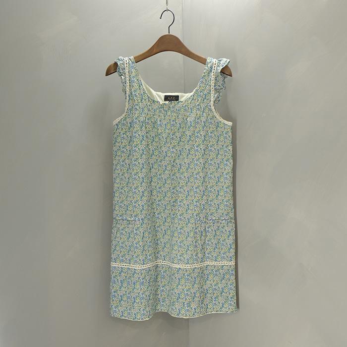 아페쎄 / Made in latvia  APC flowerpattern sleeveless