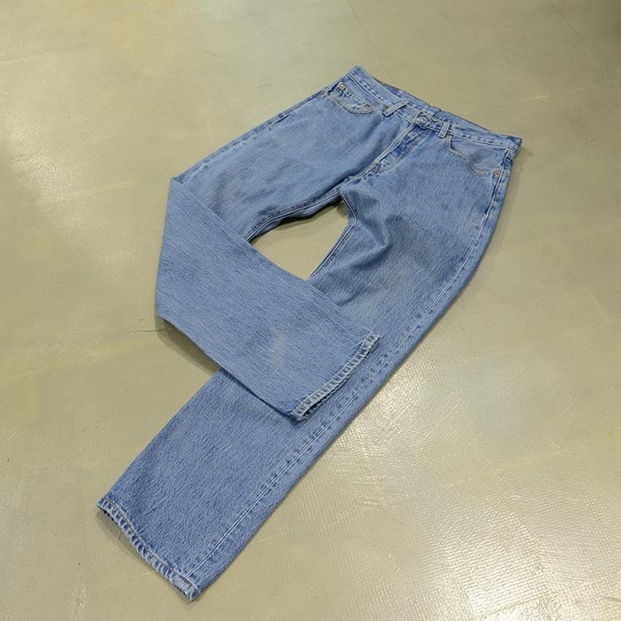 리바이스 / Made in mexico  Levis 501 washed denim pants