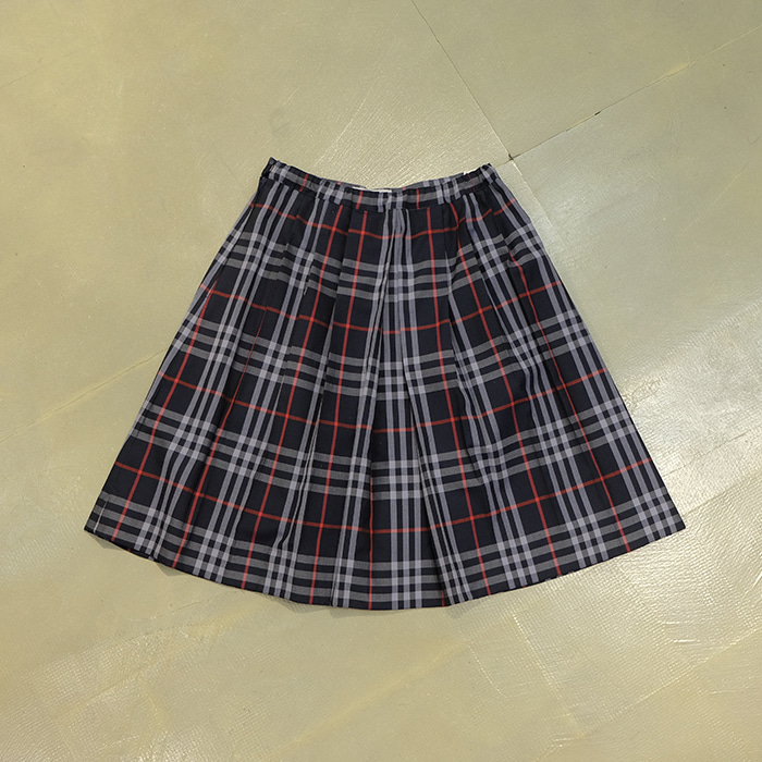 버버리  Burberrys check skirt