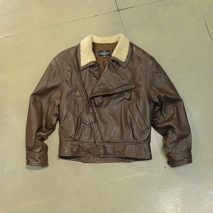 발렌티노 / Made in italy  VTG 80's Valentino garavani leather rider jacket 4 boutique