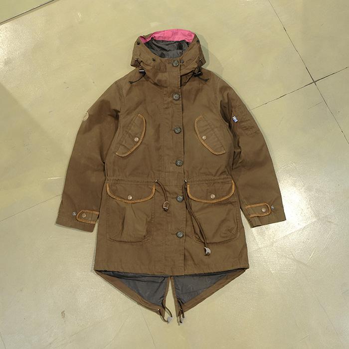 피엘라벤  Fjallraven fishtail wax jacket